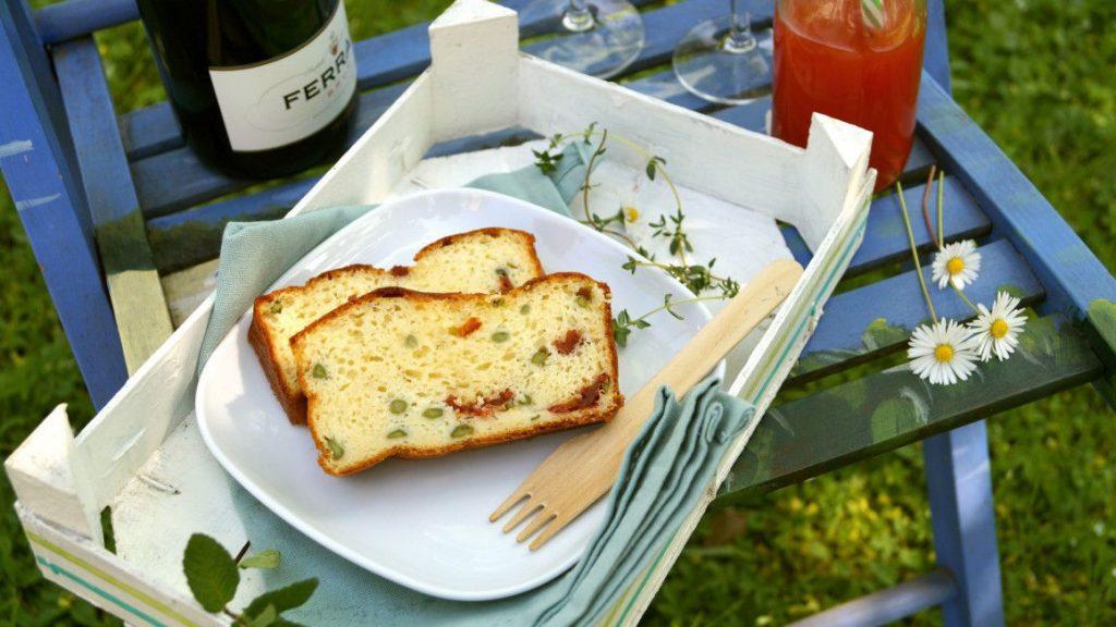 plumcake-asparagi-e-pomodori-secchi